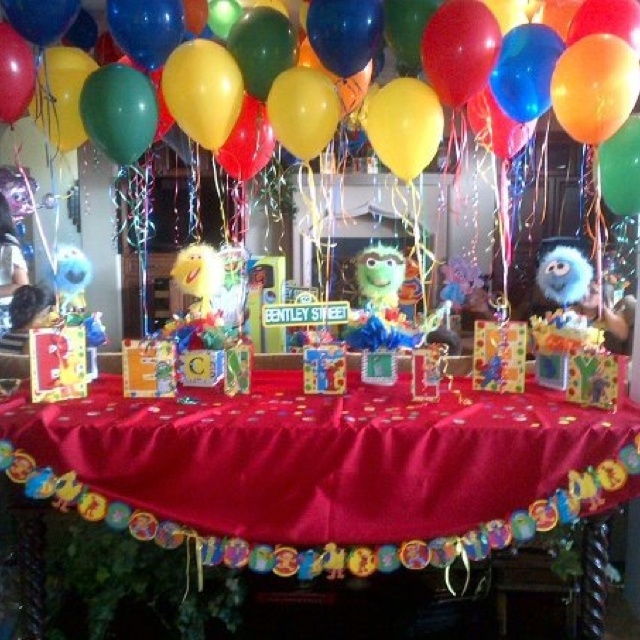 Sesame street birthday party centerpiece balloon holders
