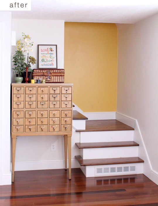 Before & After: Facelift for a Carpeted Stairway