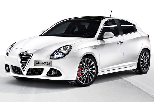Alfa Romeo Giulietta - White exterior, Red leather interior