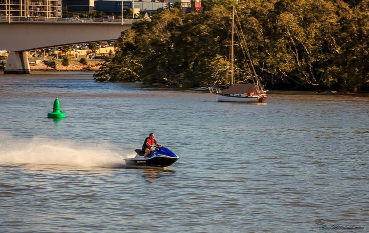 L1M2AS3 - Frozen Action, Canon 550D, TV MODE, no flash, handheld, f5.6, 1/500sec, iso100(auto), 105mm, awb. Using a fast shutter speed was able to capture the frozen moment of the jetski wizzing by.