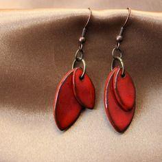 Boucles d'oreilles fantaisies deux pampilles rouges en céramique
