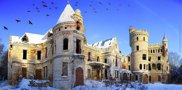 Russian architect P.S. Boitzov built many French-style medieval castle in the 19th century–but Muromtzevo Mansion is by far the most spectacular of them.