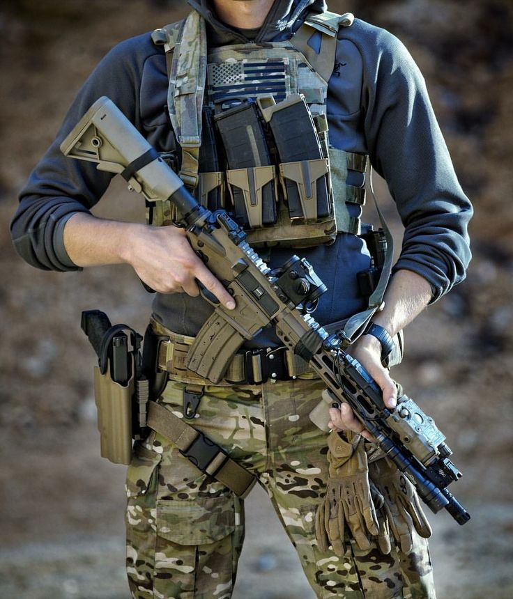 Guns I like ,gear I like ,simple. : Photo
