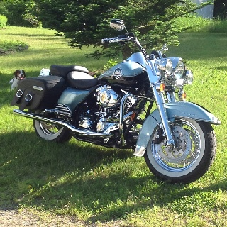 road king classic let 39 s go cars n motorcycles pinterest bikes road king and king. Black Bedroom Furniture Sets. Home Design Ideas