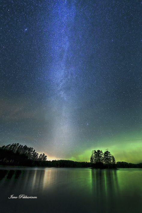 Revontulet ja Linnunrata.Northern light and Milky Way. Photo Ismo Pekkarinen #revontulet #linnunrata #milkyway #auroraborealis #nature #luonto #finland