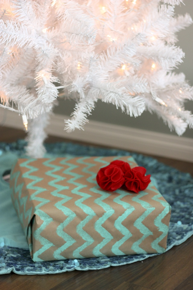 Sequin tree skirt & diy chevron print wrapping = my kind of