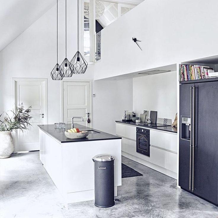 Look at this kitchen shot by Magnus Klitten for @boligmagasinetdk #magnusklitten #kitchen