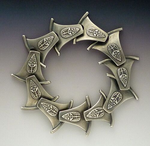 Bracelet | Gordon Uyehara. 'Dragon Tail'.  Silver Clay and Sterling