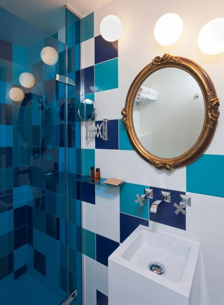 17 meilleures id es propos de salles de bain bleu marine for Salle de bain carrelage bleu