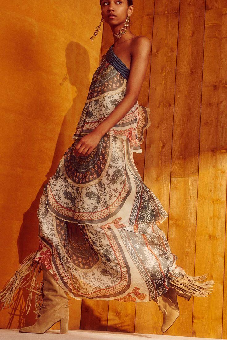 http://www.vogue.com/fashion-shows/resort-2018/chloe/slideshow/collection