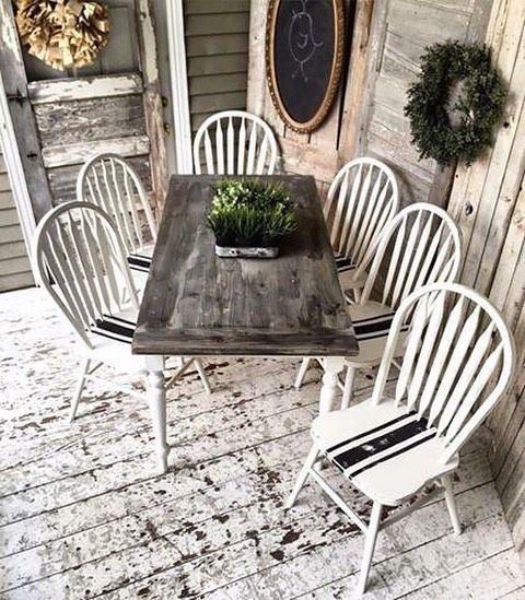 Pretty Parchment and Best Black grain sack stripe dining set. #utah #painting #paint #paintedfurniture #threeshabbybirds #fairychalkmothers #reclaimologists #grainsack #farmhousestyle #farmhousedecor