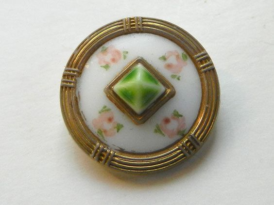 US $0.95 in Antiques, Sewing (Pre-1930), Buttons: