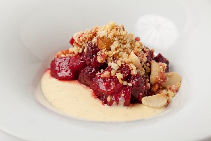 This warming apple crumble recipe from top chef Adam Gray is given an edge by its blackberries, crunchy Macadamia nut and vanilla topping