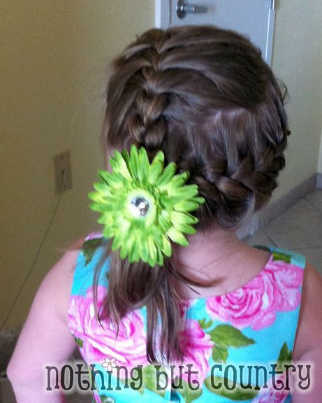 Cute Wedding Hairstyle for Girls  http://www.nothingbutcountry.com/2012/06/easy-wedding-hairstyle-formal-quick-for-girls/