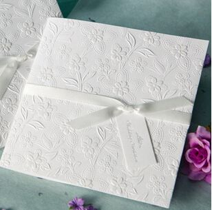 50 pz/lotto bianco elegante carta invito festa di nozze con nastro di seta business inviti cards biglietti d'auguri in Benvenuto al nostro deposito. Matrimonio felice!  Se li avete bisogno di stampare per voi, si prega di lasciada Forniture di attività e serata su AliExpress.com | Gruppo Alibaba