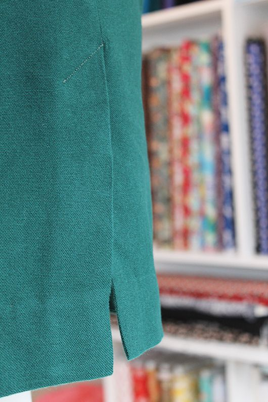 Today we're going to show you how to sew the kick pleat (sometimes called a vent or split) for our newest pattern, the Ultimate Pencil Skirt. It's a nice simple pattern, totally tackle-able by an advanced beginner, but we know … Continue reading →