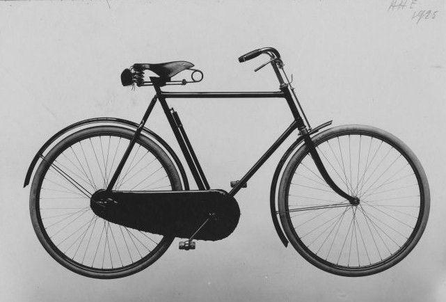 De fiets is ook gelinkt aan de figuur van Laarmans zijn broer: Frans vindt dat dergelijk vervoermiddel helemaal niet past bij het statuut van dokter, maar de broer beseft dat statuut niet afhangt van banaliteiten als je vervoermiddel. Hij weet wel dat het om de inhoud draait.
