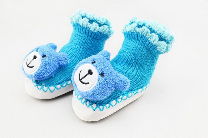 かぎ針編みのベビーブーツのアイデア♡ブルーのくまちゃんがかわいい♡