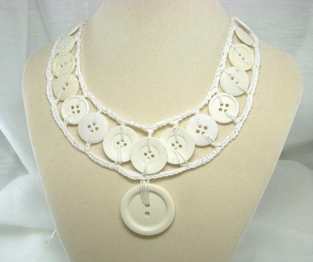 white button necklace