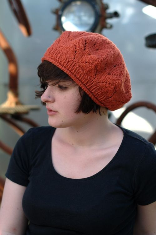 Woolly Wormhead - Meret - free lace beret #knitting pattern