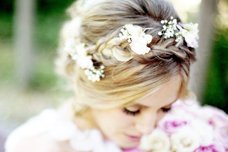 @Elizabeth Worley this is the flower piece i want :): Sleep Beautiful, Hair Ideas, Braids Hairstyles, Braids Wedding Hairstyles, Romantic Hairstyles, Flower, Floral Crowns, Beautiful Sneak, Romantic Wedding Hairstyles