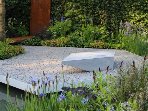 Designed by hugo bugg the royal bank of canada waterscape for Waterscape garden designs