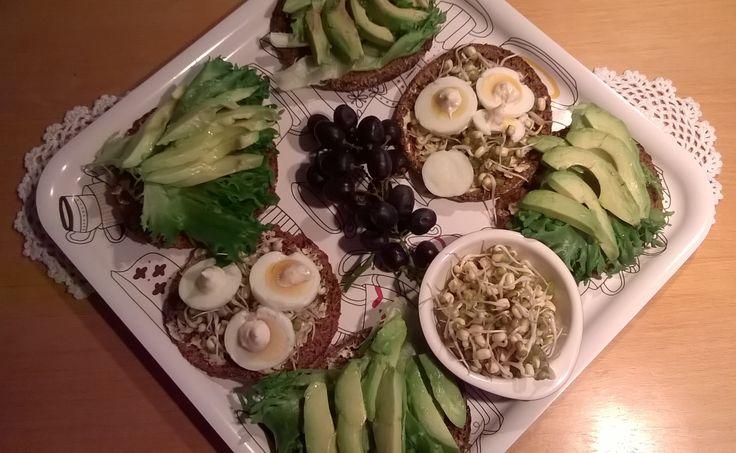 Avocado- ja Mung-pavunituleipiä