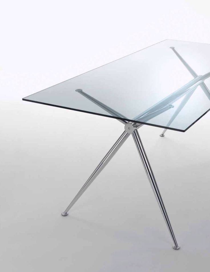 BRIOSO - #tavolo con basamento in #acciaio estetica cromo e #top in vetro neutro temperato trasparente.