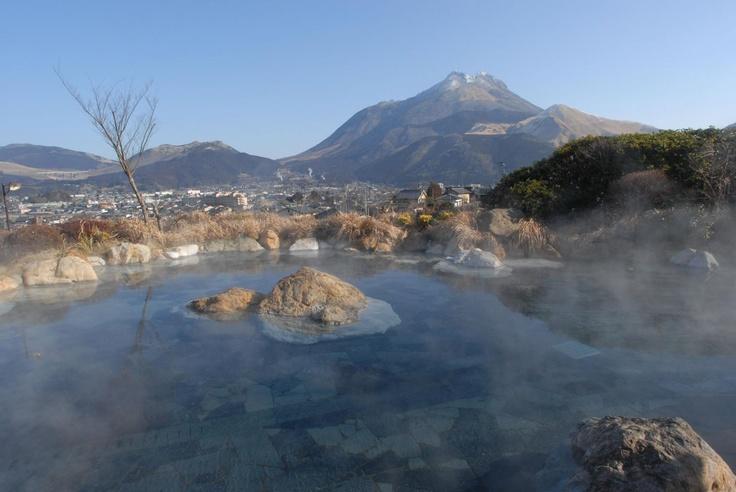 由布院温泉  Yufuin hot spring