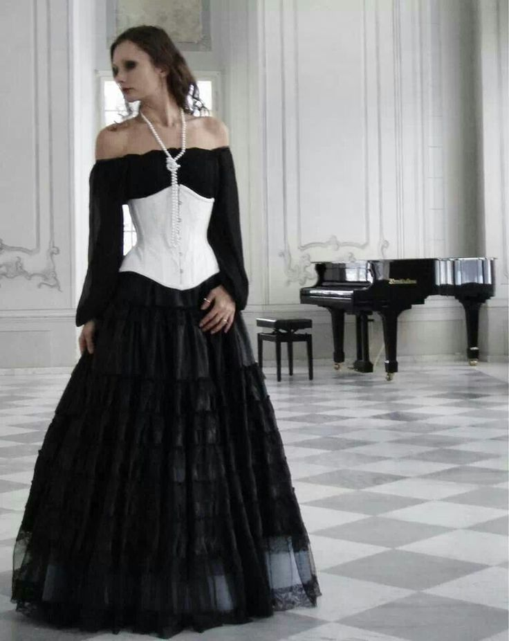 Simple Peasant Blouse Style Off The Shoulder Dress And A Contrasting Corset Simple Dark Sexy