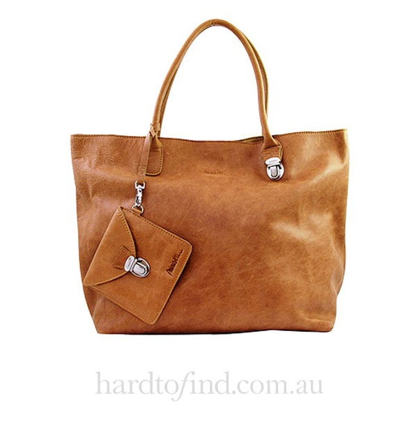 Soft Leather Camel Tote,  Miniséri $310