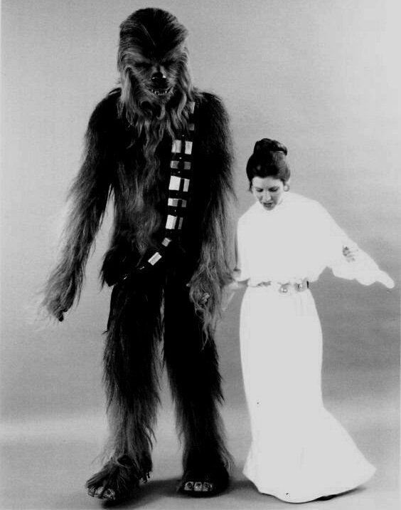 "star wars archive no Twitter: ""Carrie Fisher (Princess Leia) and Peter Mayhew (Chewbacca) being absolutely adorable.… "" ."