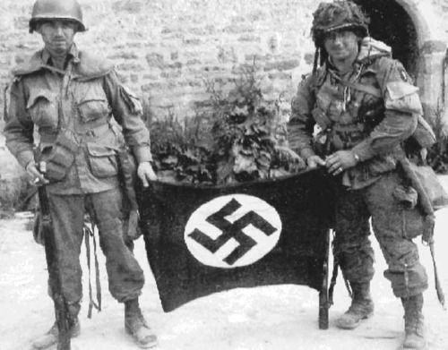 Easy Company troopers Forrest Guth and Francis Mellet on D Day.