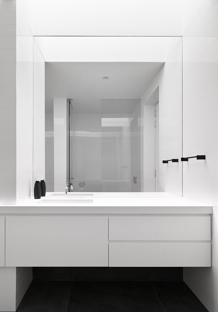 The Art of Clean Lines and Cubic Forms  Gallery House by Craig Steere  Architects |. Interior Design BlogsDesign InteriorsBathroom ...