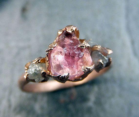 Brut rose Tourmaline diamant Rose or bague de fiançailles bague de mariage personnalisé One Of un aimable pierres précieuses bague trois pierres Ring byAngeline