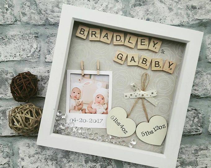 Nuevo marco de bebé, regalo recién nacido, regalos para los gemelos, regalo para bebé, bebé muchacho recuerdo, vivero regalo niña, Scrabble arte personalizado