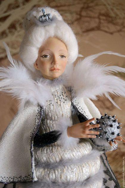 Купить или заказать 'Мо Ли' (Дворцовая моль) в интернет-магазине на Ярмарке Мастеров. Статичная кукла. Поза не изменяется. Мо Ли особа тончайшая, высоковоспитанная, умнейшая, весьма…