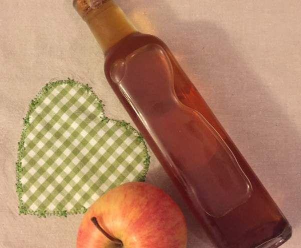 Rezept Bratapfellikör mit Amaretto von LillyKia - Rezept der Kategorie Getränke