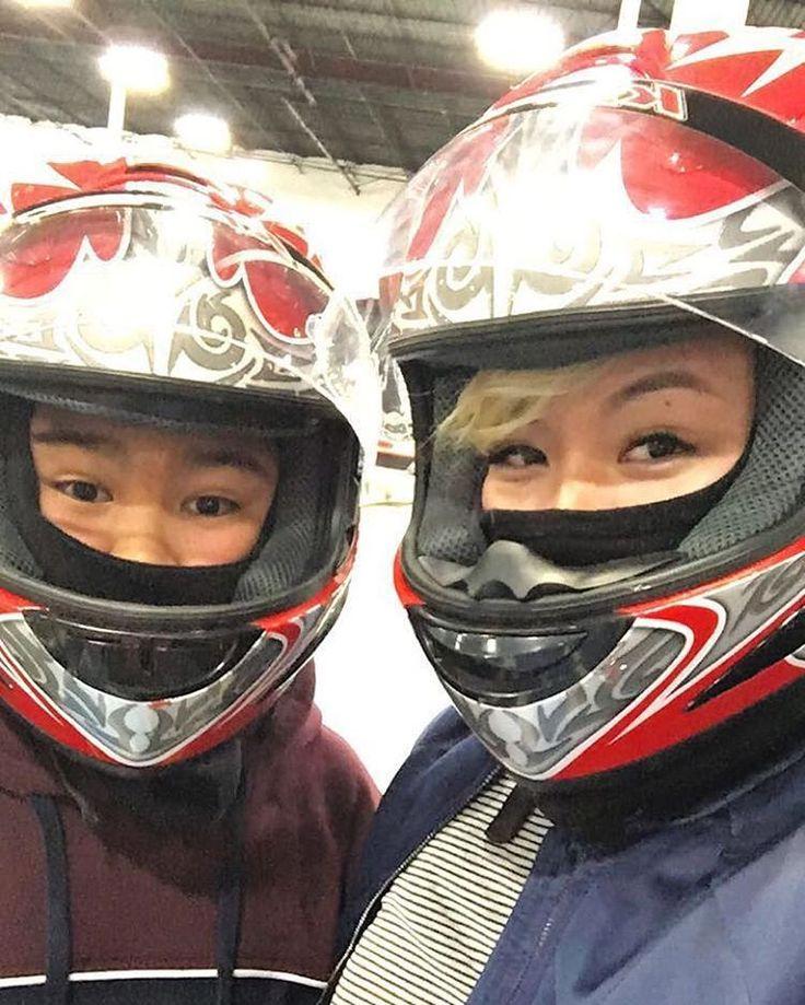 いいね!48件、コメント4件 ― Roxyさん(@ms_foxyyroxyy)のInstagramアカウント: 「Happy birthday to my brother 🎉 took him indoor go kart racing. Anything to make this kid happy ❤️😘…」