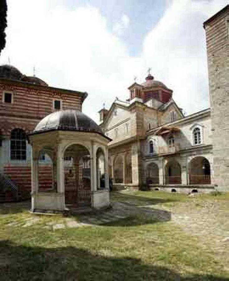 Η φιάλη της Ιεράς Μονής Ζωγράφου Αγίου Όρους - The phiale of the Holy Monastery of Zografou on Mount Athos