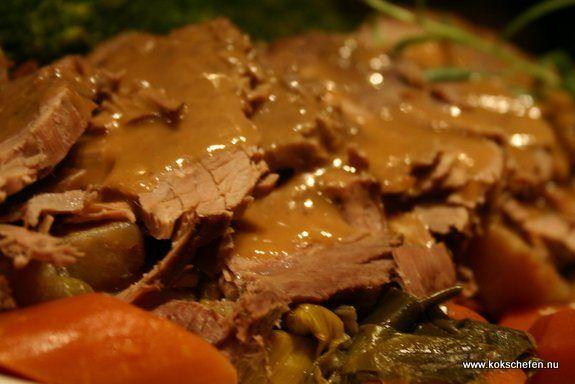 Nätad fransyska: En klassisk söndagsstek som får puttra i gjutjärnsgryta en längre tid för att få ett kött som är så mört att det smälter i munnen.. mmm