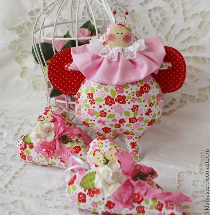 Тильда жук и сердечки - ярко-красный,роза,сердечко,украшение дома,жук