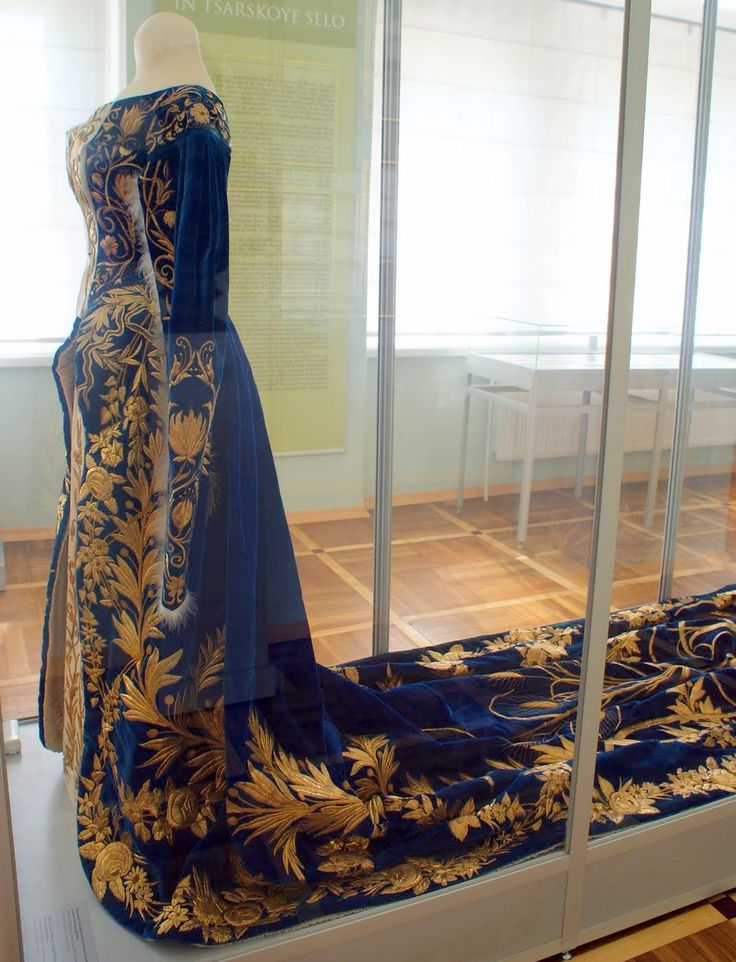Side view of Russian 19th century court dress, most likely belonging to Maria Feodorovna, last Dowager Empress of Russia.