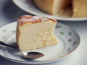 Pehmeän pumpulinen japanilainen juustokakku ei ole vaikea tehdä, mutta valmistuksessa on omat niksinsä.