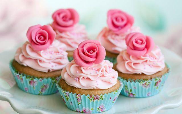 Heerlijke roze taartjes | Achtergrond Wallpapers