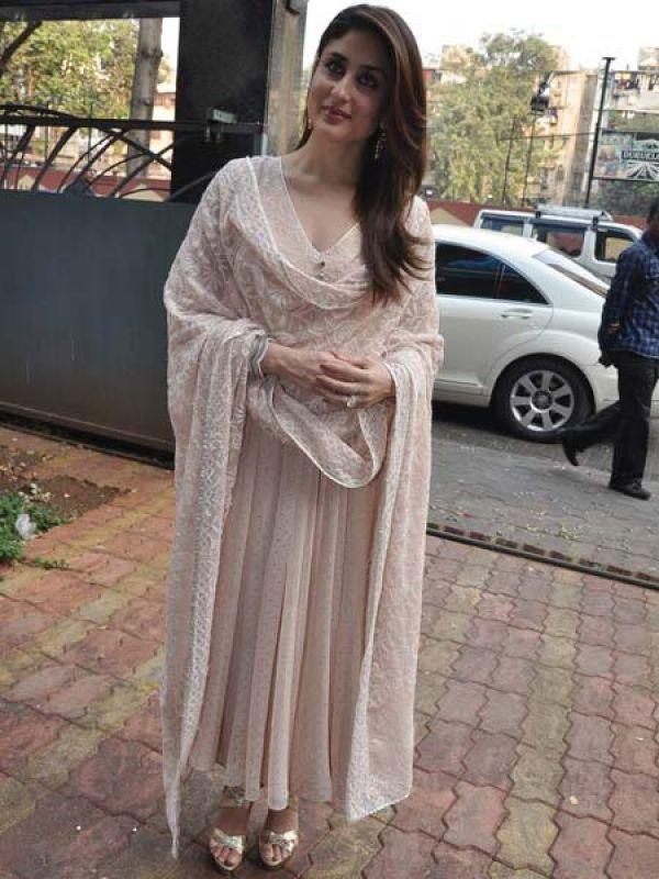   Kareena in Shehlaa by Shehla Khan https://www.facebook.com/pages/Shehlaa-by-Shehla-Khan/273135559448280  