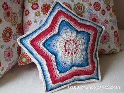 """Подушка """"звезда"""" связанная крючком в стиле пэчворк. Декоративная подушка крючком для дома со схемами"""