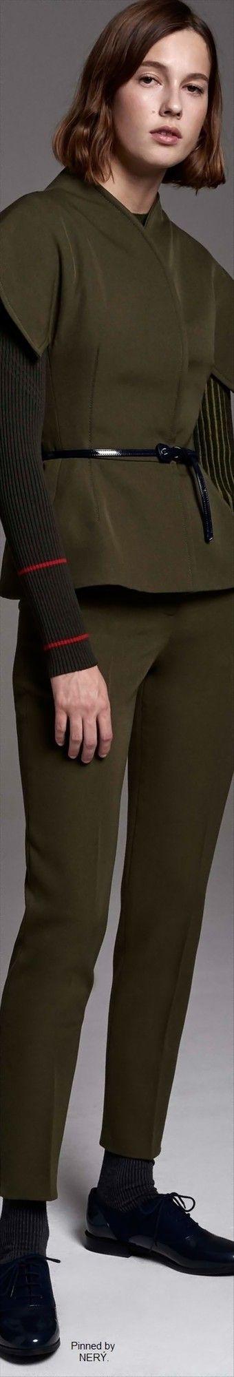 Carolina Herrera Pre-Fall 2017  Kind of looks like a Jedi outfit.