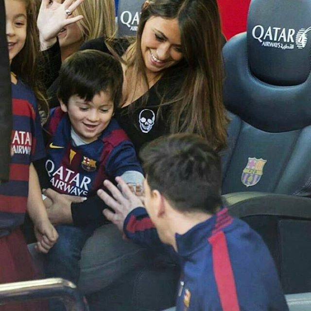 Family pic: Leo #Messi and his girlfriend Antonella and their son #ThiagoMessi #fcblive #FcBarcelona #igersFCB #Barcelona