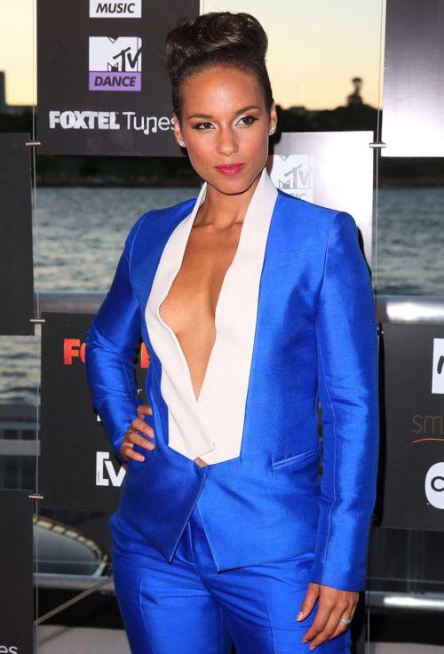 Alicia-Keys-Bianca-Spender-suit.png #menswearinspired